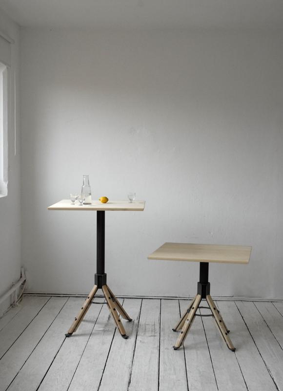 Industrieel ontwerp. Staal en Beuken/ Essen- of Eikenhout