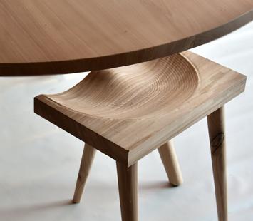Iepen tafel, ronde tafel, inlands hout tafel, Iepen kruk